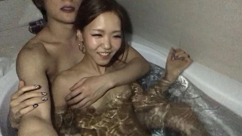 【素人個撮】ノリ良すぎなスレンダーギャルがお風呂で潜望鏡フェラ!どっぷり口内射精も笑顔で受け入れ☆
